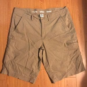 Cargo shorts. EUC, Erin once. Tan. Sz33